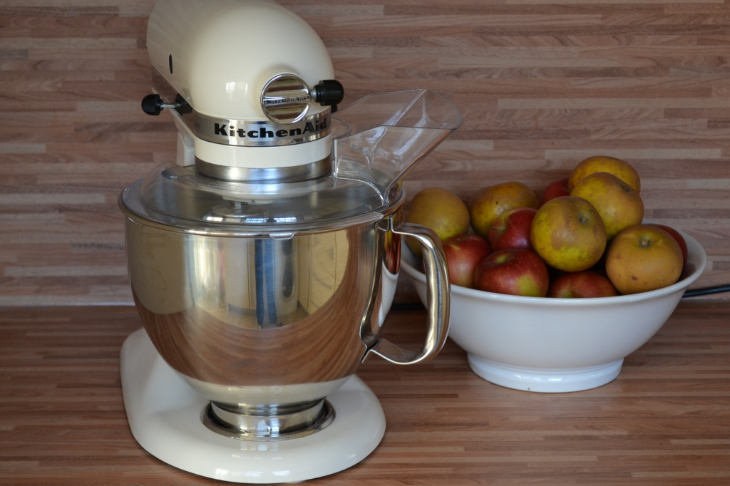 Cool Kenwood Vs Kitchen Aid Which Mixer Is Best Charlotte Pike Download Free Architecture Designs Scobabritishbridgeorg