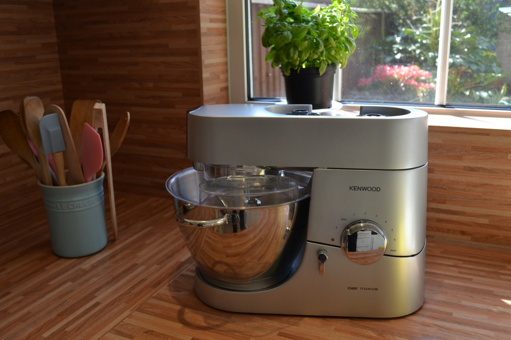 Kenwood Vs Kitchen Aid Which Mixer Is Best Charlotte Pike